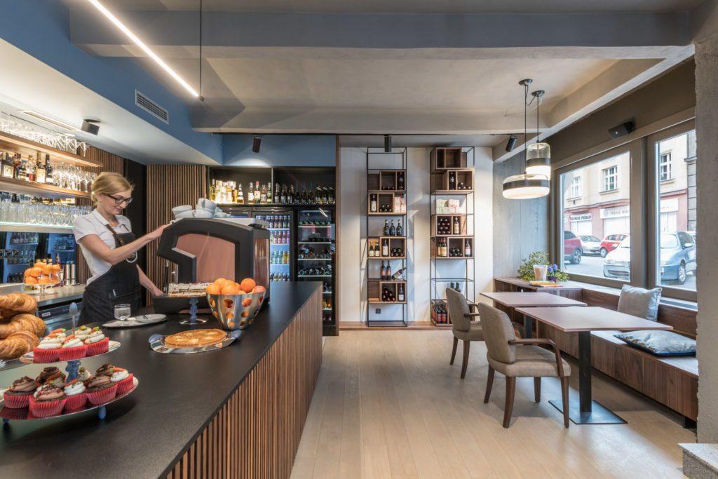 Dejvická kavárna Perfect Day - interiér, pult